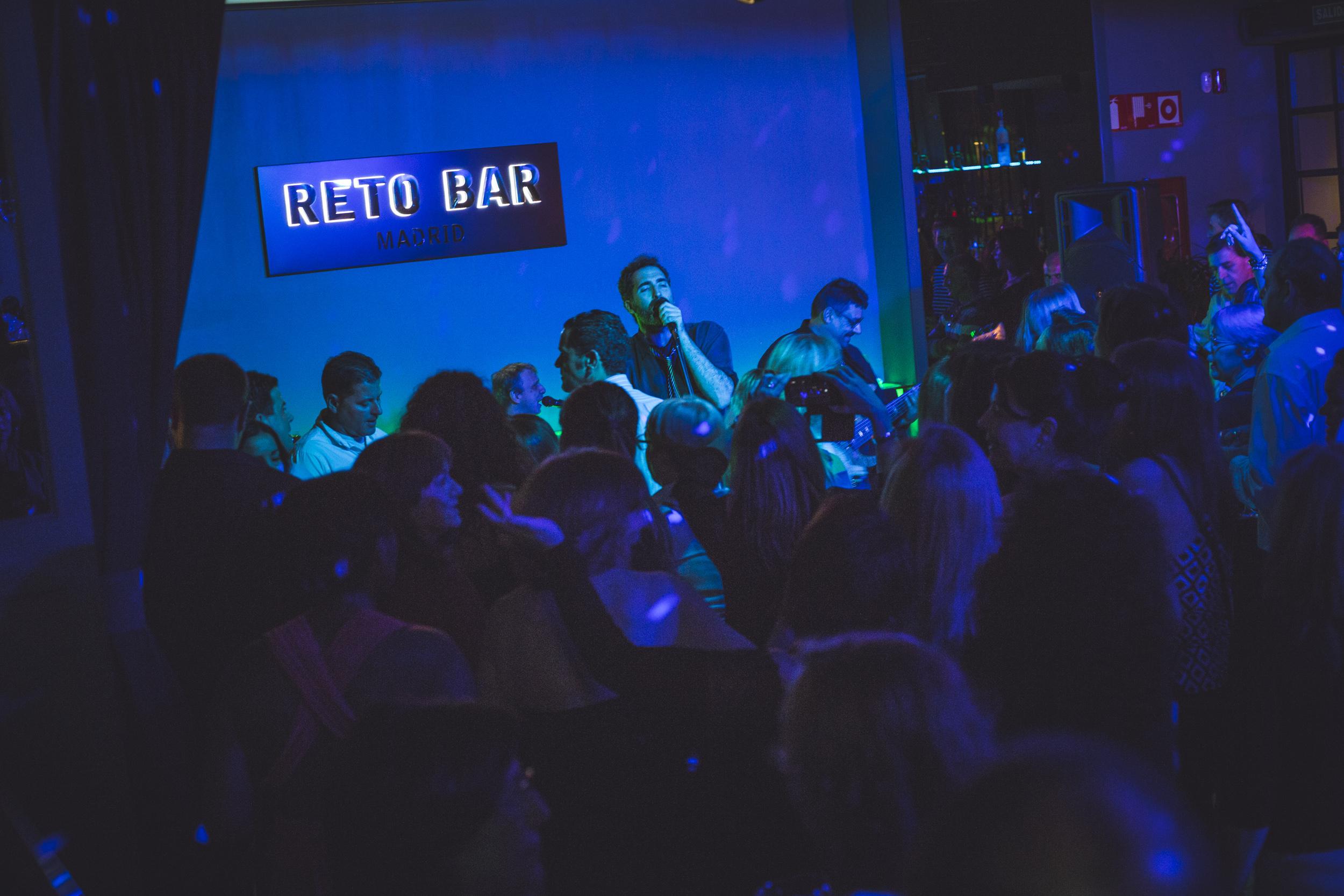11-03 Reto bar-12